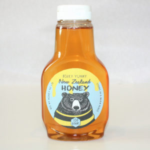 Honey Squeeze, kids favorite, kids love food, easy to pour honey, mild honey, single vintage honey, wildflower honey, tyme honey, pohutakawa honey, bush honey,